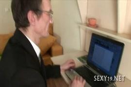 Porn hub.com jabarjasti brethar and sistar me chodai desi