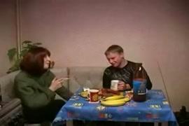 12 साल की लड़की सील तोड़ना वीडियो www.com