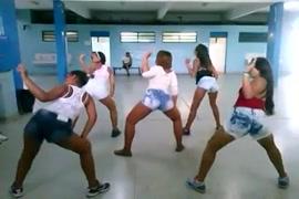 छोटी लड़की की sexy videos hd. .com