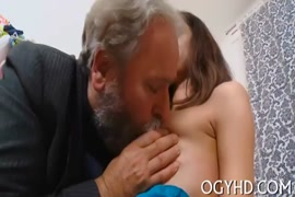 Seaxy antey faking videos in family hd