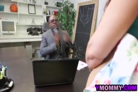Pahli baar chodne par chud se khoon niklta hua xxx porn videos